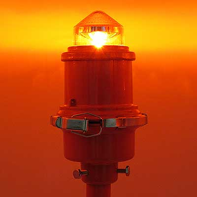 L-810 LED Steady Burning Red Obstruction Light illuminated